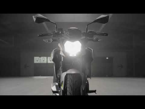 Kawasaki Z125 Modelo 2019 (Official Studio Video)