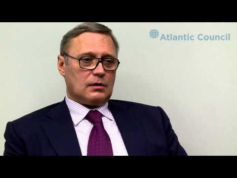 Kasyanov Talks Russia's Economic Fragility
