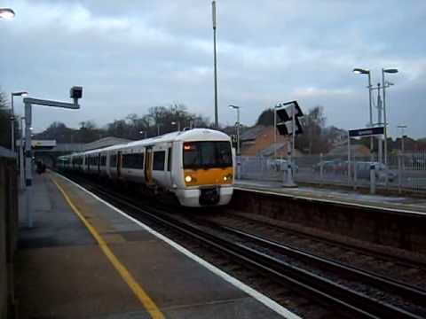 376017 takes the 0754 Barnehurst to Dartford