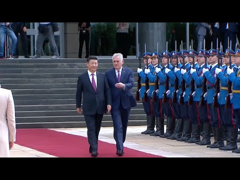 Serbian President Holds Welcome Ceremony for Xi Jinping