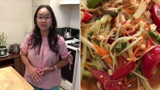How to make Thai papaya salad, som tam Thai/Naly's Lao kitchen.