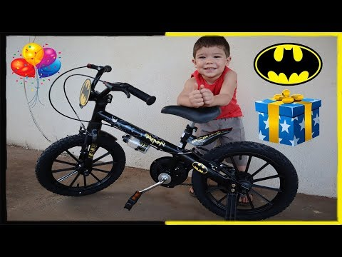 Rafael rides her bike for the first time | See his reaction | Batman Bike