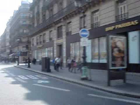 Paris Guide by Ricardo dos Anjos