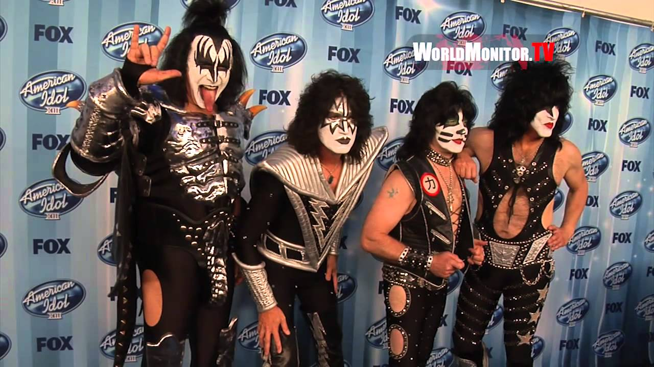 Kiss Band Tommy Thayer  Gene Simmons  Eric Singer  Paul Stanley     Kiss Band Tommy Thayer  Gene Simmons  Eric Singer  Paul Stanley American  Idol 2014 Finale Press Room   YouTube