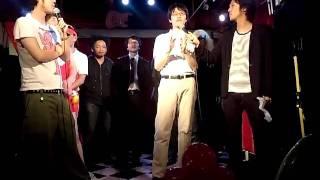 池袋のライブハウスのお笑いライブにアナログタロウさんが出演していま...