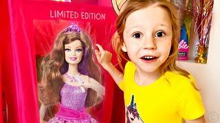 Nastya thay váy và biến thành công chúa