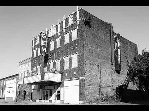 Exploring and Photographing the Ruins of Cairo, Illinois