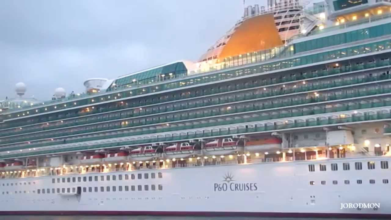 P o ventura entering la coruna port youtube for P o ventura dining rooms