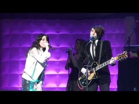 Miranda Cosgrove ft. Drake Bell - Leave It All to Me (LIVE) Nokia Theater