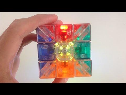 Transparent Rubik's cube Speedcubing