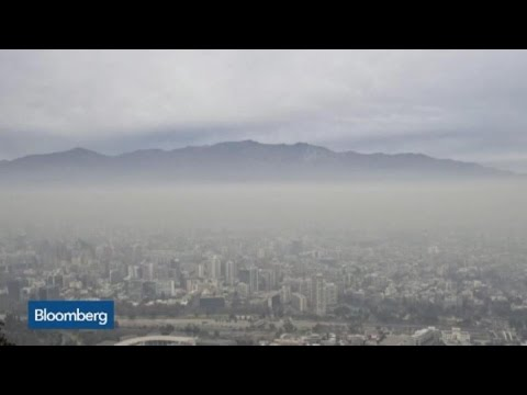 Photos: Santiago Shut Down Due to 'Smog Emergency'