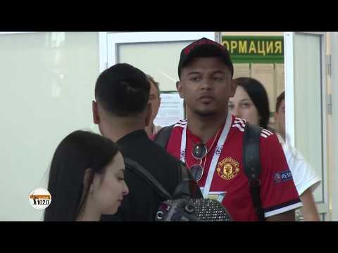 Смотреть Англичане в Волгограде: «Ни один аэропорт мира нас так не встречал!» онлайн