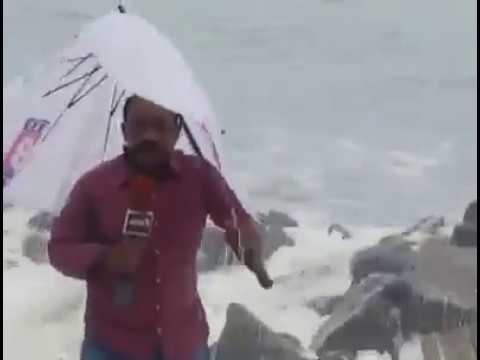 News18 Reporter Struck By Sea in Kerala