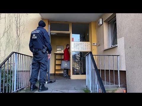ألمانيا: اعتقال سوري بسبب الاشتباه بتخطيطه لعملية تفجيرية…  - 00:58-2019 / 11 / 20