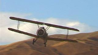 Gambar cover Sopwith Camel fighter with sideslip landing