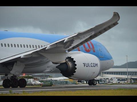 BOEING 787 TUI LANDING SINT MAARTEN