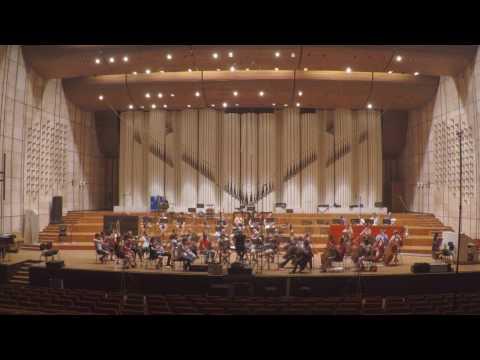 En vivo con la Orquesta Sinfónica de Bratislava.