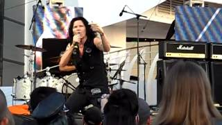 "Jizzy Pearl joins Quiet Riot ""Let"