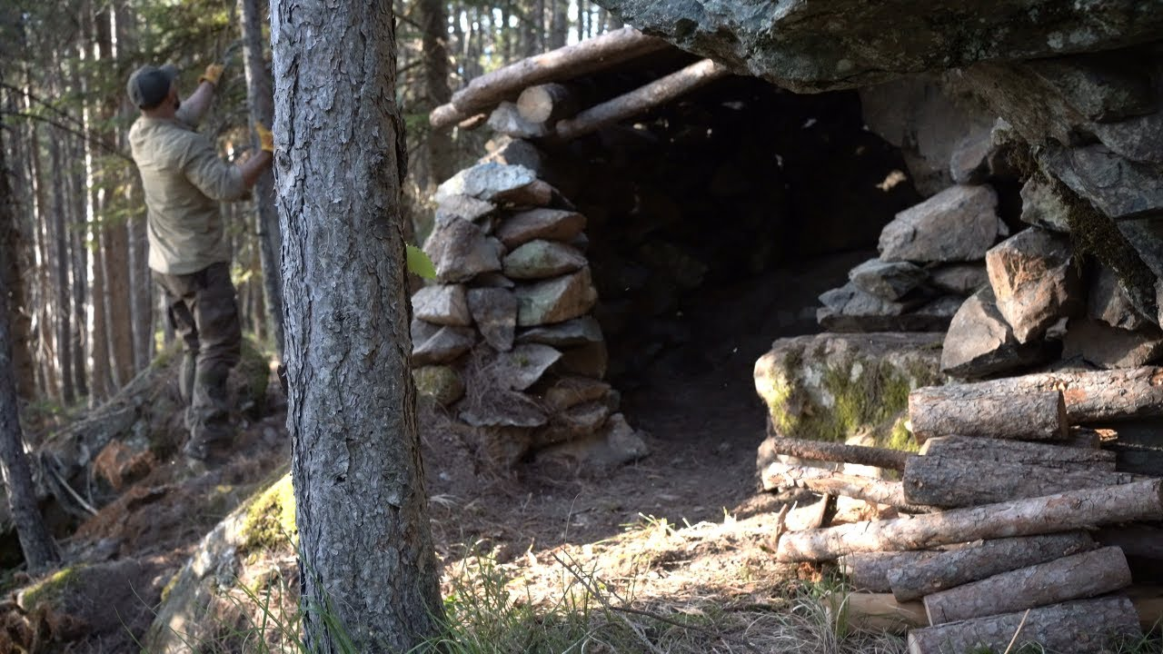 5 SHELTER BUILDINGS: MADE OF STONE .WOOD.AND CLAY. FROM START TO FINISH. BUSHCRAFT SKILLS