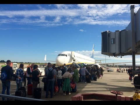 Pierwszy lot samolotem - odprawa, bagaż, bilety krok po kroku. from YouTube · Duration:  15 minutes 59 seconds