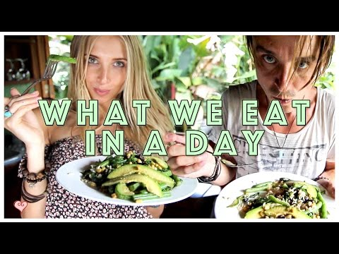 What We Eat In A Day ♥  Vegan Travel Eats | Costa Rica