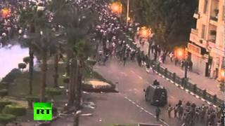 Video Cairo clashes video: Egypt riot cops fire tear gas, rubber bullets download MP3, 3GP, MP4, WEBM, AVI, FLV Oktober 2017