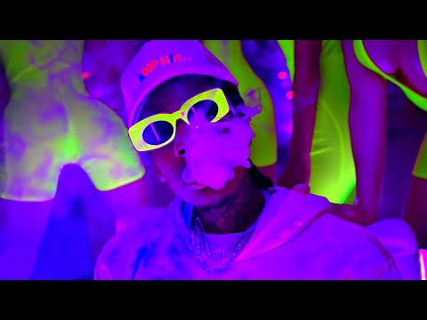 Snoop Dogg ft. Wiz Khalifa, Snow Tha Product, Juicy J - Gang Gang (8 мая 2021)