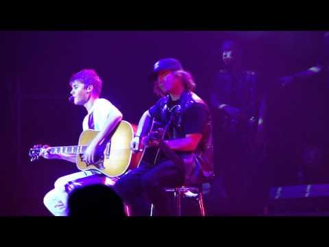 Justin Bieber - Trust Issues   Rio de Janeiro - Brazil (05-10-2011) [HD]