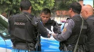 Suspeito morre em troca de tiros com policiais no morro do Urubu (RJ)