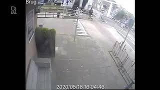Het Brugwegdek Van De Lijndraaiersbrug In Maassluis Stort Naar Beneden  Video: Kevin's Grand Café