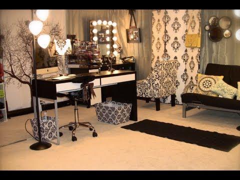 alternative-acrylic-makeup-storage-&-filming-studio-(vanity-girl-mirror,-lighting,-&-green-screen)