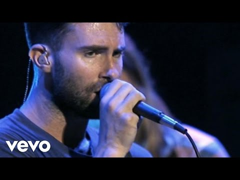 Maroon 5 - Give A Little More (Walmart Soundcheck)
