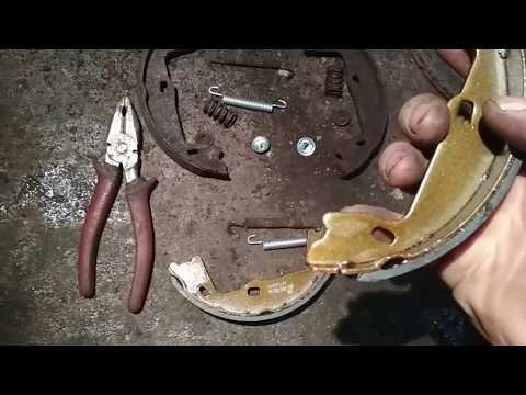 Замена колодок ручника с сюрпризом на Опель Омега Б.
