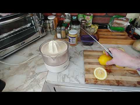 This is how you cut Lemons the CORRECT way! Chances are you have been doing it WRONG! 😁