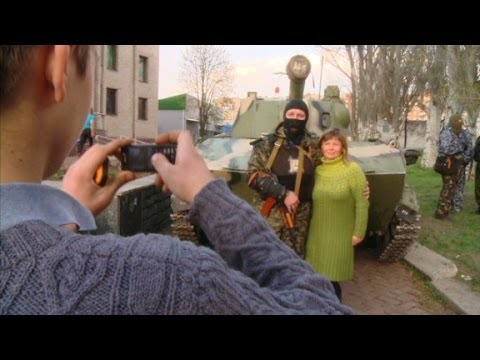 Ukrainian city of Slovyansk demands independence