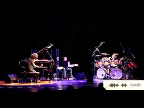 Hiromi: The Trio Project featuring Anthony Jackson and Simon Phillips