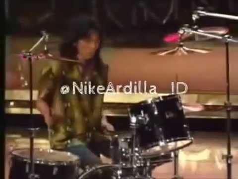 Nike Ardilla - Bintang Kehidupan (Live Version)
