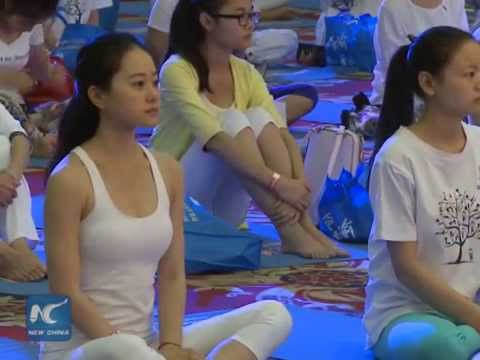 Beijing celebrates int'l day of Yoga