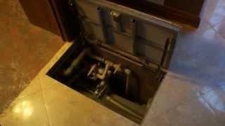 Люк напольный под плитку(Самоподъемные напольные люки под плитку для доступа к инженерным коммуникациям, скрытым ниже уровня пола,..., 2013-12-23T10:58:55.000Z)