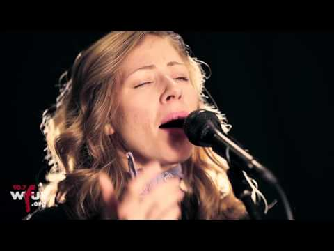 """Lake Street Dive - """"Mistakes"""" (Live at WFUV)"""