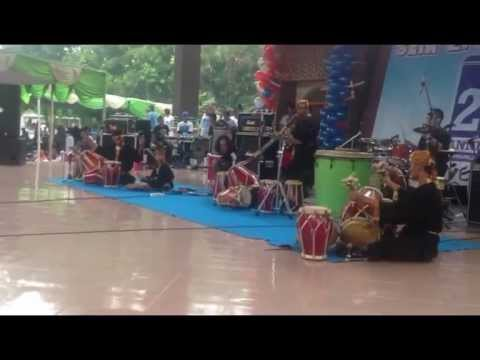 Rampak Gendang Cikarang Jaipong Pencak feat with Progressive Rock Imanissimo Band Modern Dance.mp4