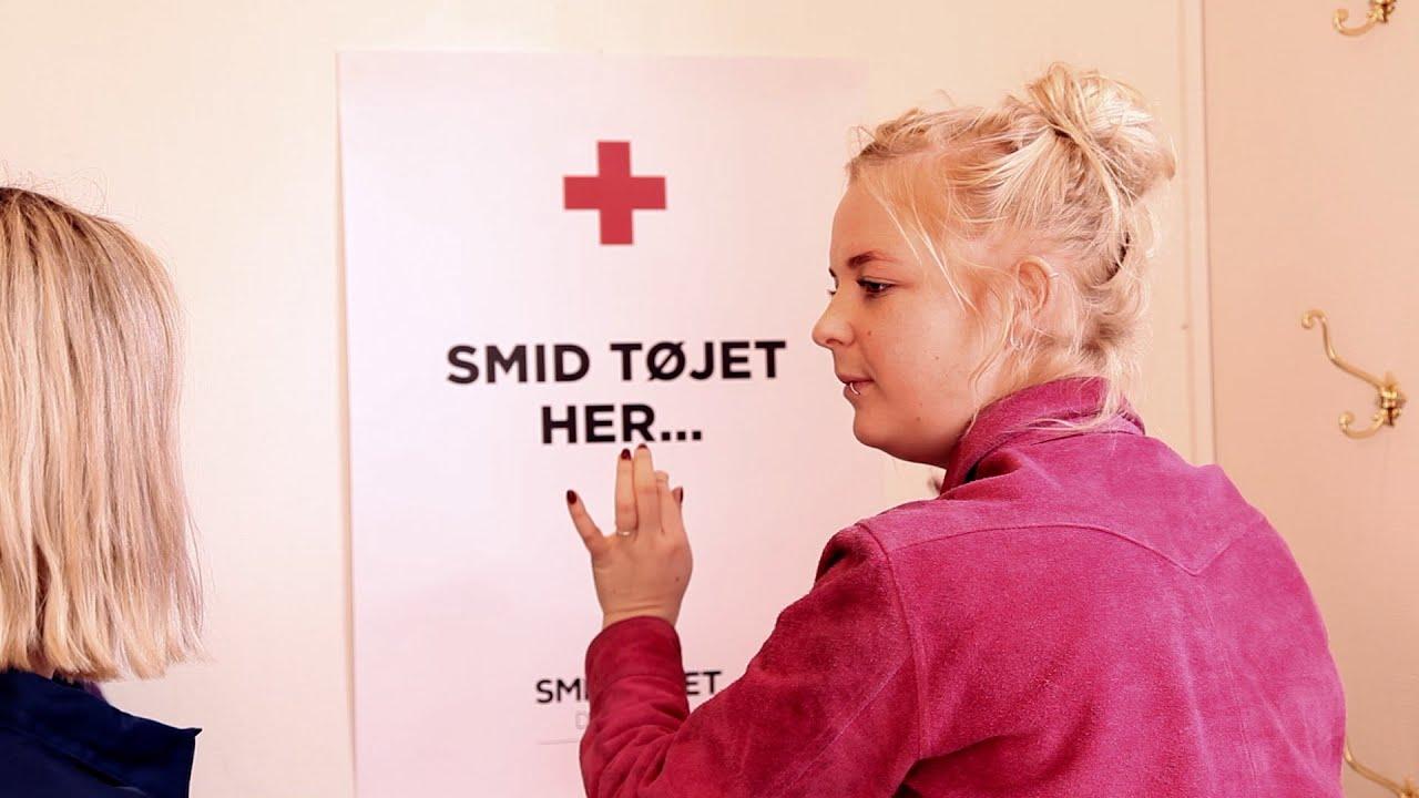 a08b5548b01 Kirstine er frivillig og pynter op til Smid Tøjet Danmark - YouTube