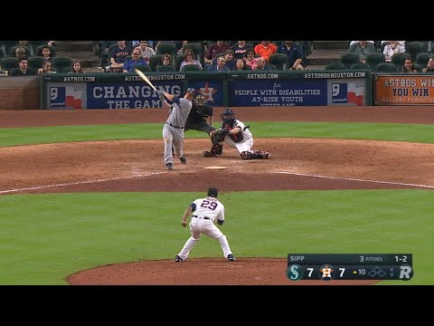 Seager breaks the tie in 10th with solo jack