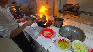 Вкуснее Лагмана!Как  готовят Мампар Уйгурский в чайхане Узбекистана!