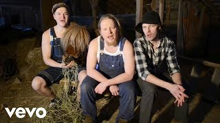 Steve`n`Seagulls - You Shook Me All Night Long (Official Video)