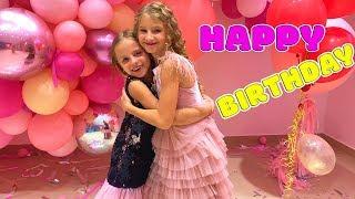 Настя собирается на День рождения подруги Мисс Николь Выбираем ПОДАРОК Вечеринка блогеров