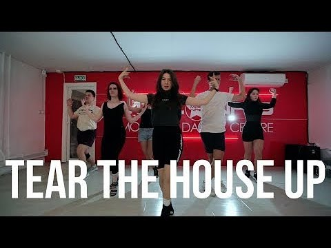 TEAR THE HOUSE UP // Herve & Zebra Katz // АЛЕКСАНДРА ЕФИМОВА // Vogue