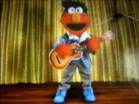 Elmo Singing And Dancing - YouTube