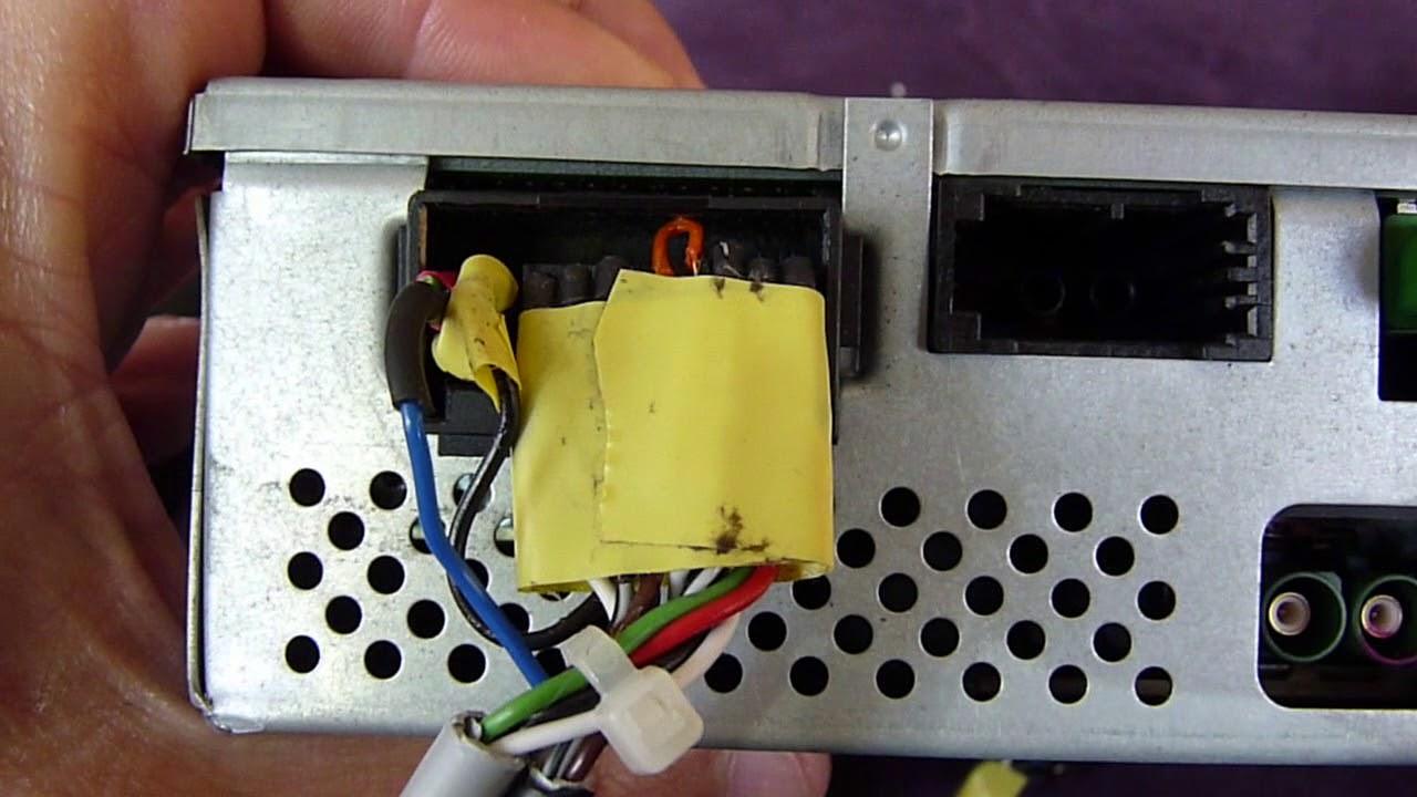 e2f6e3e0a Custom Audi MMI 2G TV Tuner Cables for A8 D3 - YouTube
