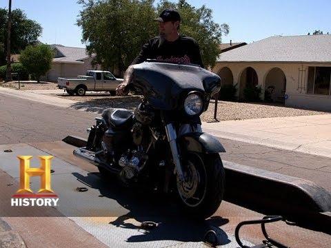 Biker Battleground Phoenix: Brian Turns To Craigslist (S1, E6) | History